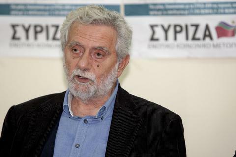 Ο κοινοβουλευτικός εκπρόσωπος του ΣΥΡΙΖΑ Θοδωρής Δρίτσας μιλά σε δημοσιογράφους κατά τη διάρκεια συνέντευξης τύπου που πραγματοποιήθηκε στα γραφεία του κόμματος. Θεσσαλονίκη, Δευτέρα 8 Δεκεμβρίου 2014. ΑΠΕ ΜΠΕ/PIXEL/Σωτήρης Μπαρμπαρούσης