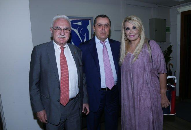 Με τους Γιώργο Τσούκαλη (ειδικός ερευνητής) και την Βίκυ Μπαφατάκη (δημοσιογράφος)