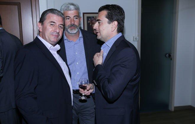 Οι Καρανάσιος Ευθύνης (Βουλευτής ΝΔ), Κώστας Σκρέκας (Βουλευτής ΝΔ), Καράμπελας Γιάννης (πρώην βουλευτής ΝΔ)