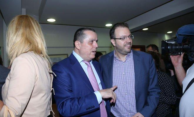 Ο Νίκος Καραμανλής με τον πρόεδρο της ΔΗΜΑΡ, Θανάση Θεοχαρόπουλο