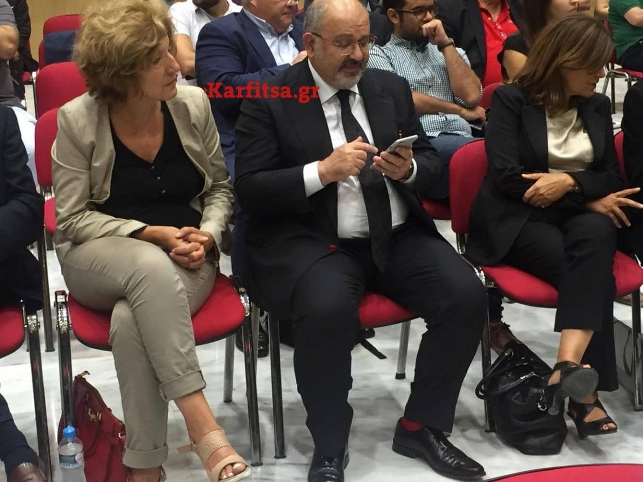 Αναγνωστοπούλου Ξυδάκης κόκκινες κάλτσες συνέντευξη τύπου Τσίπρα Βελλίδειο ΔΕΘ