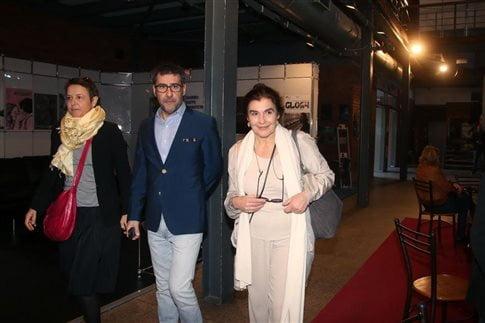 Η Ελίζ Ζαλαντό και ο Ορέστης Ανδρεαδάκης ξεναγούν την Λ.Κονιόρδου στους χώρους του Φεστιβάλ   (Φωτογραφία:  Motionteam )