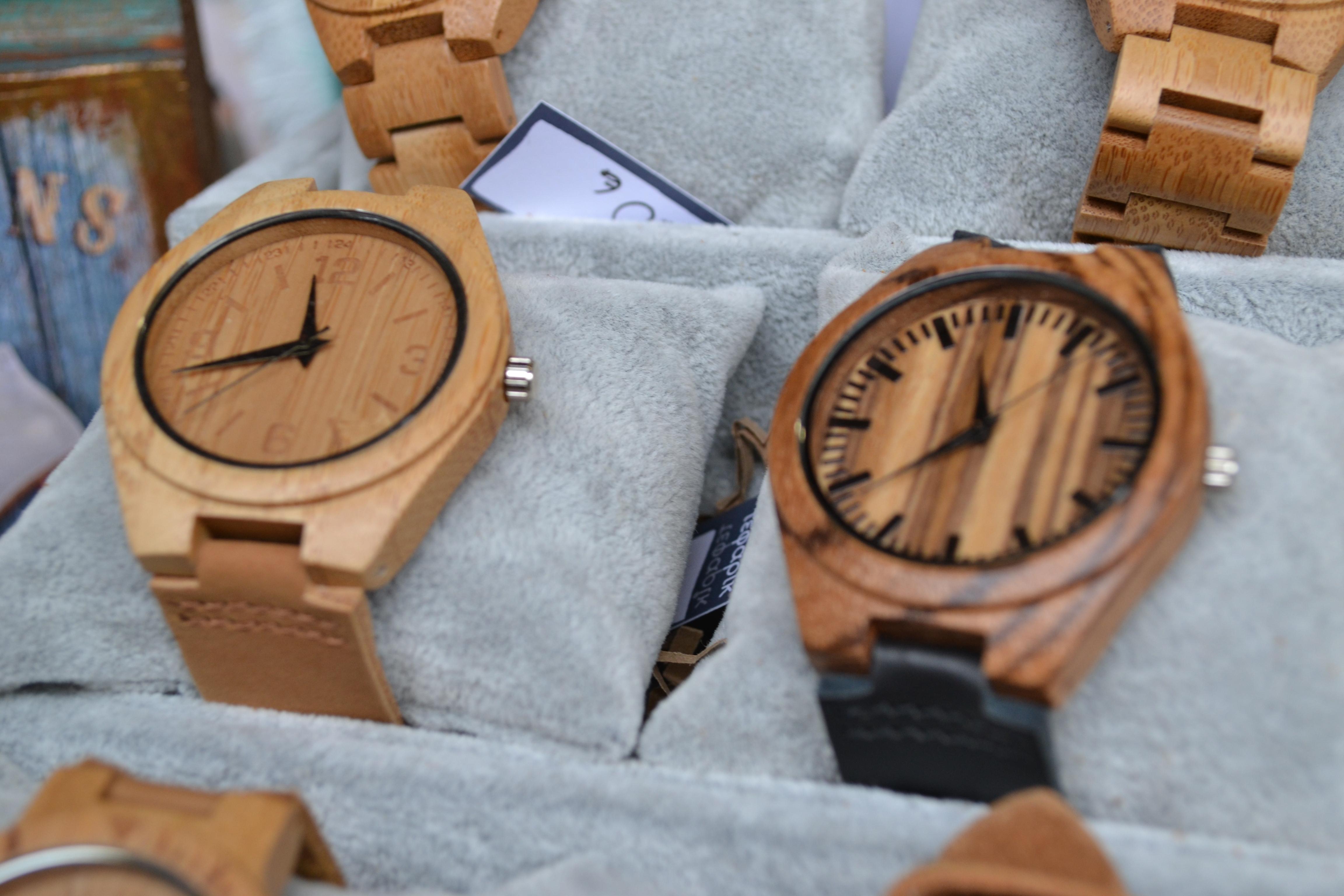 Τα ξύλινα… ρολόγια που κάνουν θραύση - Karfitsa.gr e1f9cdc8bca