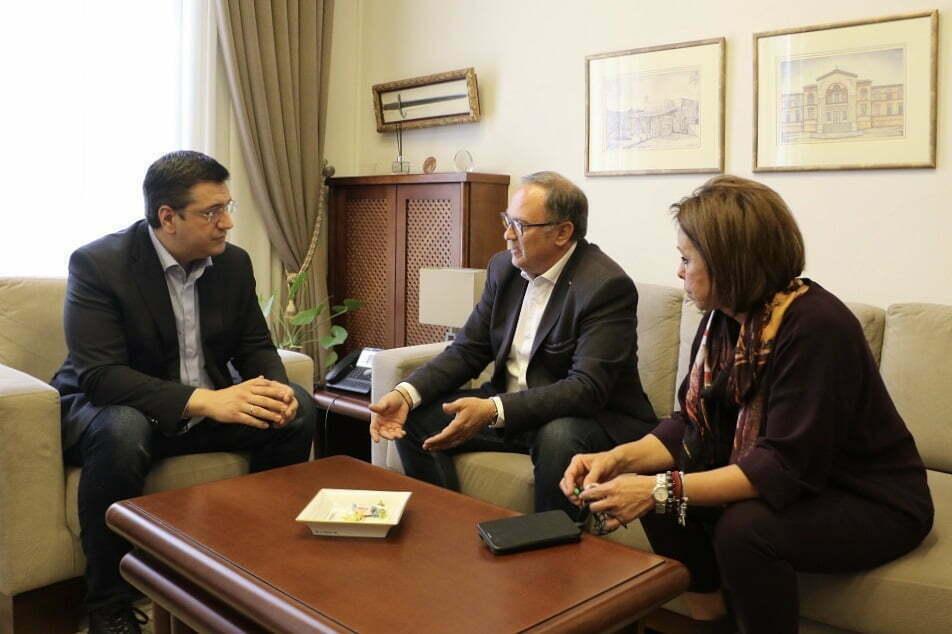 Συνάντηση του Α. Τζιτζικώστα με τον Δήμαρχο Παύλου Μελά Δ ...